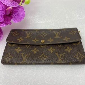 Preowned Authentic Louis Vuitton Monorgam Wallet